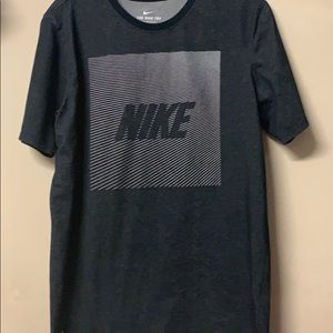 Mens Medium Nike Shirt